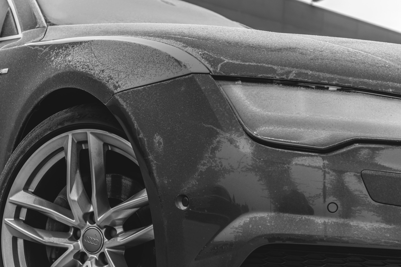 Cómo quitar el hielo del parabrisas del coche