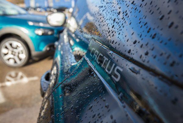 Repelente lluvia coche
