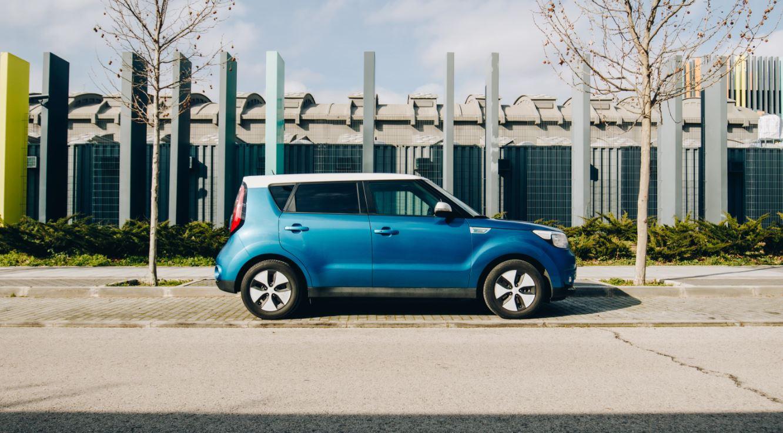 Cómo, dónde y cuánto cuesta cargar un coche eléctrico