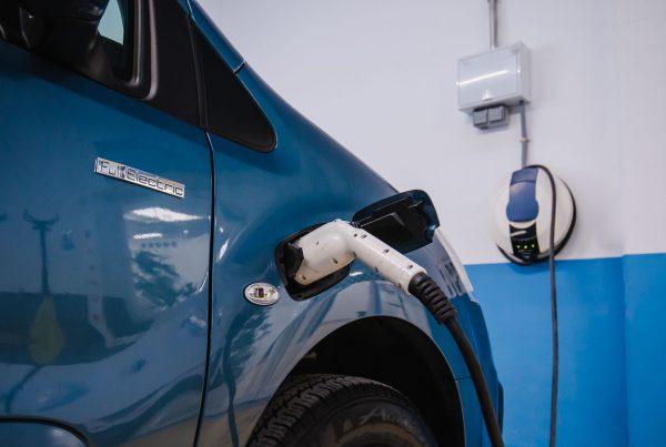 cuidar bateria de un coche electrico